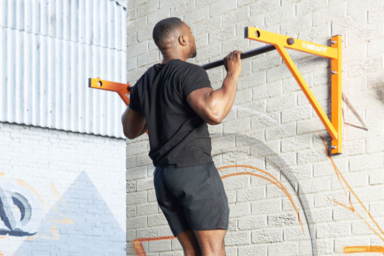 Pull Up Bar Workout For Beginners